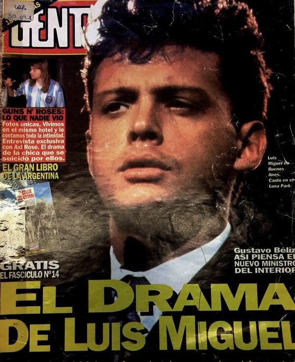 Los medios de la época reflejaban el duro momento que atravesaba Luis Miguel mientras su padre agonizaba