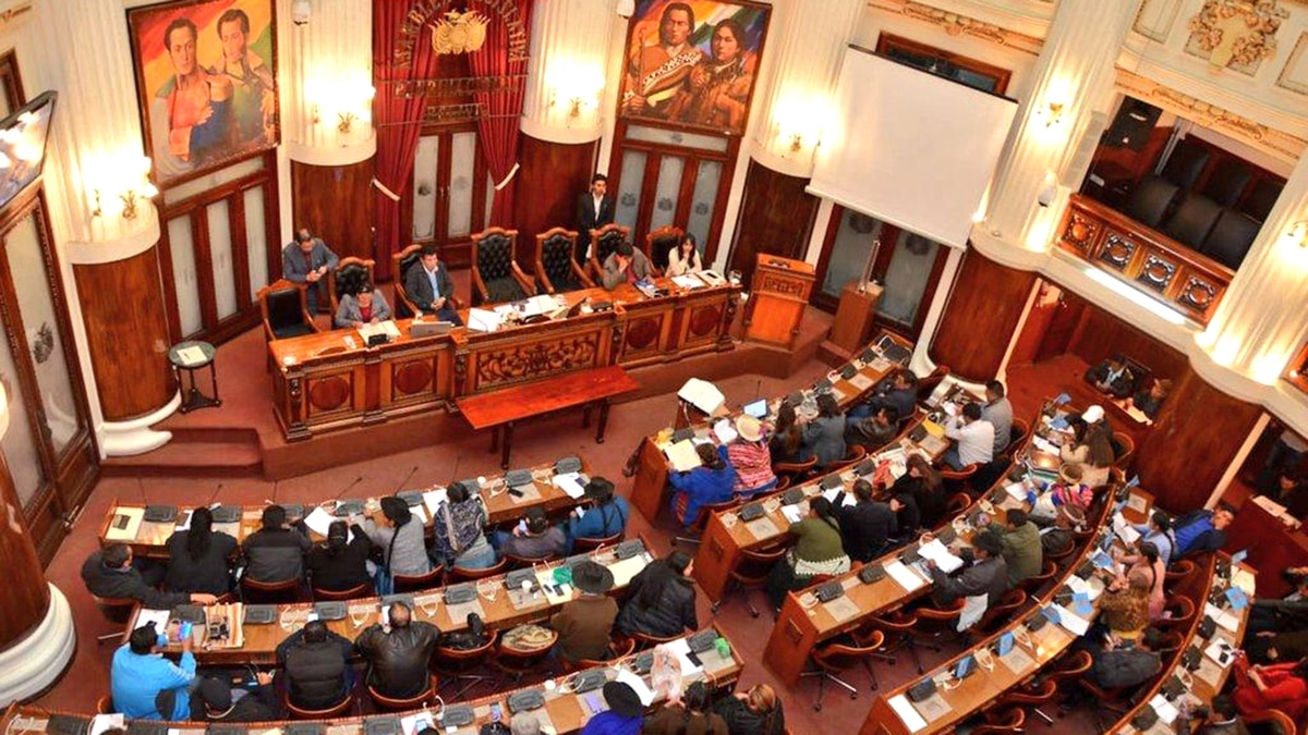 La Asamblea Legislativa de Bolivia se reunirá hoy para aceptar la renuncia de Evo Morales y establecer un gobierno de transición