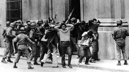 """""""El día del golpe, algunos, varios, recordamos una charla con Camps que afirmaba que se nos venía una noche larga y dura, con torturas y muerte dentro de las cárceles"""", recuerda Argemí"""