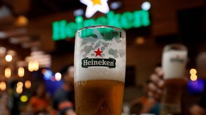 Hace unos días, algunas cerveceras anunciaron la suspensión de operaciones. (Foto: Reuters)