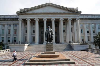 Foto de archivo. La sede del Departamento del Tesoro de Estados Unidos en Washington, EEUU. 6 de agosto de 2018. REUTERS/Brian Snyder.