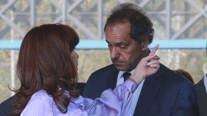 Difícil el vínculo de Daniel Scioli con Cristina Kirchner. NA
