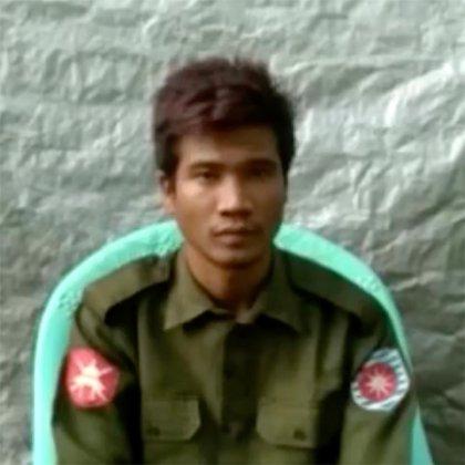 Los soldados Myo Win Tun y Zaw Naing Tun (foto) son los primeros miembros del ejército de Birmania en admitir abiertamente haber participado en lo que los funcionarios de las Naciones Unidas dicen que fue una campaña genocida contra la minoría musulmana rohinyá del país