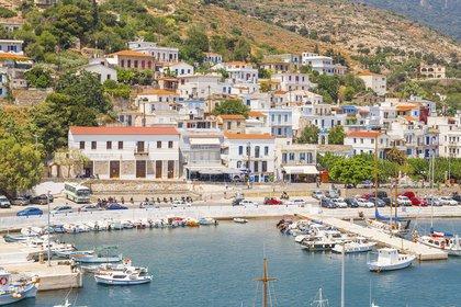 Grecia es uno de los lugares del mundo que atrae masas de viajeros (Shutterstock)
