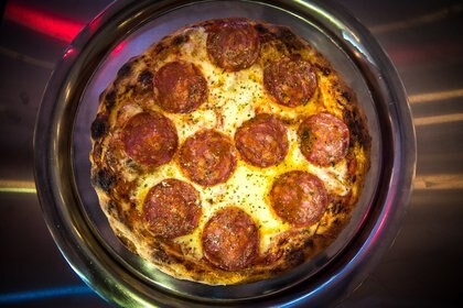 Los maestros pizzeros se reúnen para probar que sus pizzas y sus empanadas son las mejores