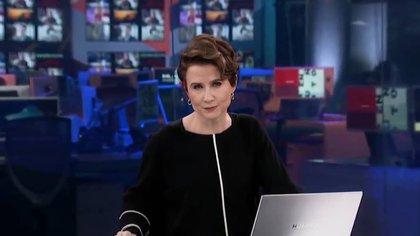 El bochornoso momento que pasó Denise Maerker en vivo durante su Noticiero en Televisa, por culpa de su celular