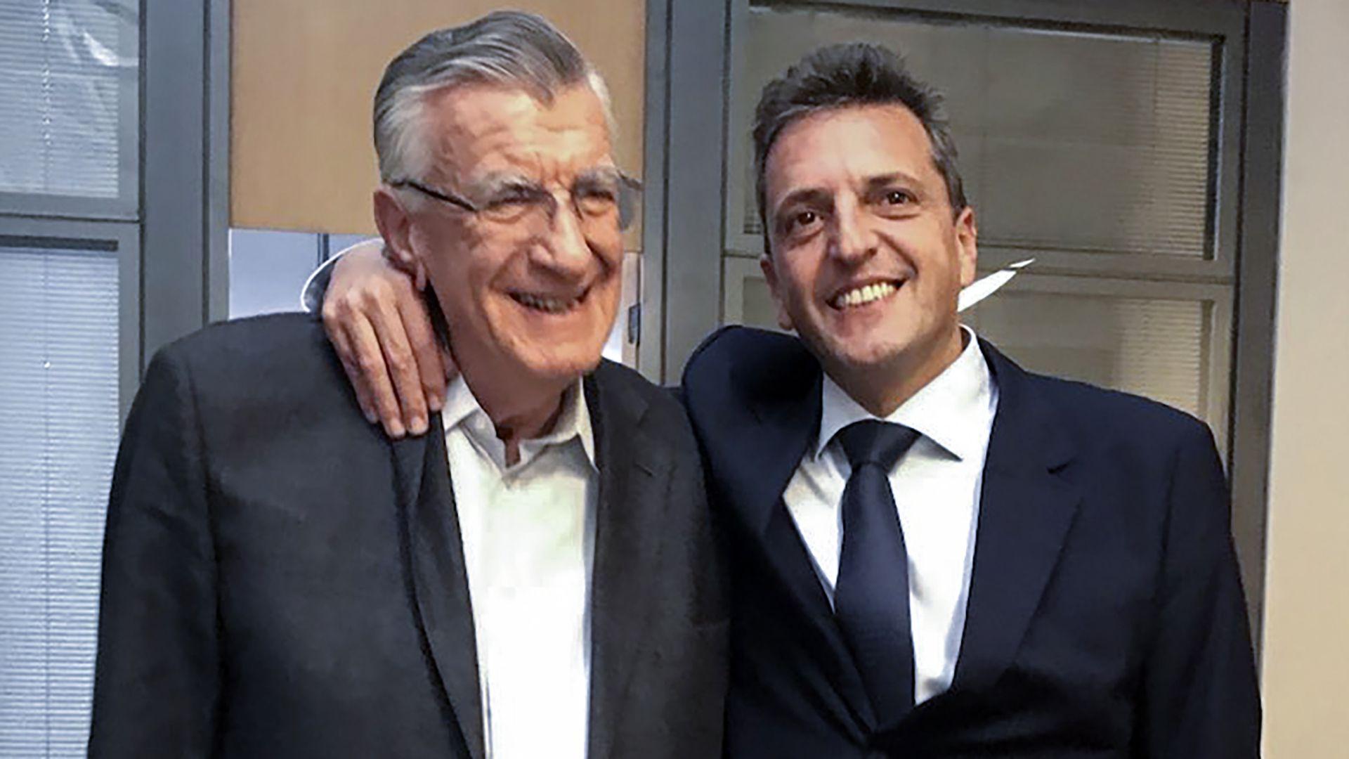 El líder del Frente Renovador, Sergio Massa y el presidente del PJ, José Luis Gioja durante la reunión que mantuvieron ayer a la tarde