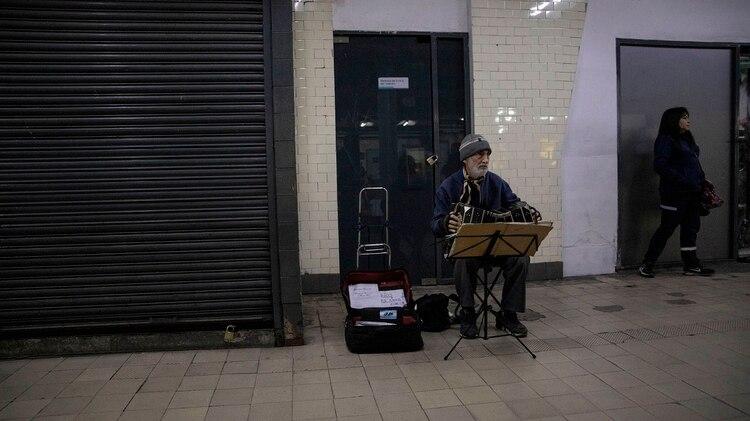 """""""Vengo también para que la gente conozca todas las posibilidades que el bandoneón tiene. Es una orquesta y como lo tocan en general, no luce, porque no usan bien la columna de aire"""", explicó el experto"""