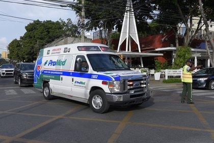 La ambulancia que trasladó a Ortiz en República Dominicana (AP/Roberto Guzman)