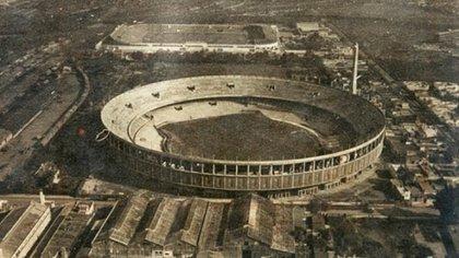 La construcción del estadio Presidente Perón fue una de las obras más impactantes de la época