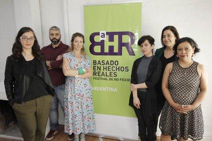 Organizadores de izq, a der.: Victoria Rodríguez Lacrouts, Víctor Malumián, Luciana Mantero, Ana Prieto, Silvina Heguy y Cecilia González