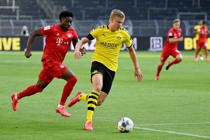 Haaland fue titular en el Borussia Dortmund pero se marchó lesionado (Reuters)