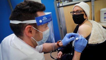 Por qué temen que la inmunidad de rebaño contra el COVID-19 en EEUU no se alcance