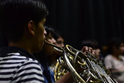 El ensamble ejecuta un repertorio que va desde los clásicos europeos a la música tradicional de Armenia, pasando por el rock y los soundtracks más taquilleros de los musicales de Hollywood