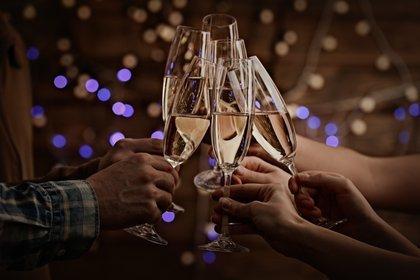 Uno de los escenarios más comunes en año Nuevo suelen ser el trazado de nuevos propósitos (Shutterstock)