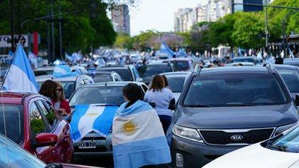 Muchos manifestantes se acercaron en sus vehículos particulares