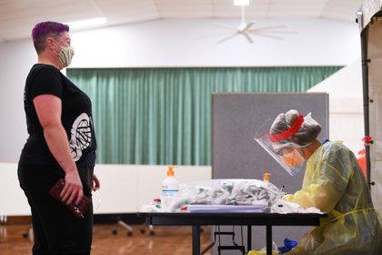 Centro de testo por Covid-19 en Melbourne, Australia. Picture taken October 6, 2020. AAP Image/James Ross via REUTERS