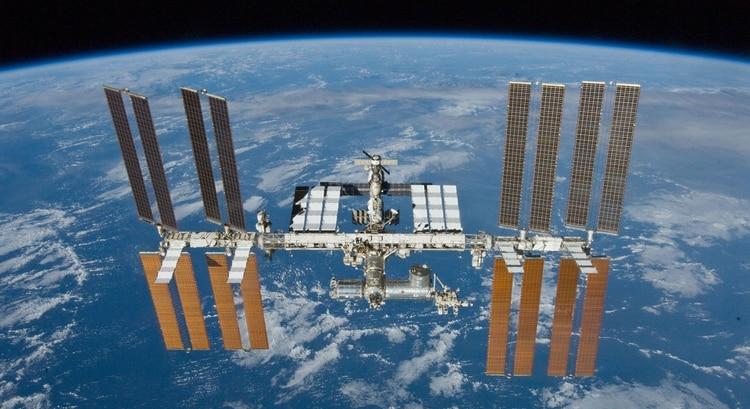 La Estación Espacial Internacional es el mayor ejemplo de cooperación mundial entre 20 países (NASA)