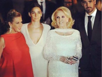 Mirtha, junto a su hija Marcela Tinayre y sus nietos Juana y Nacho Viale
