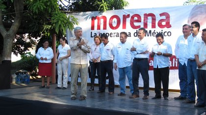 During his years at the helm of Morena, López Obrador protested in favor of fair electricity rates for Tabasco people (Photo: lopezobrador.org)