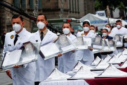 El el desfile del 16 de septiembre se reconoció la labor del personal médico (Foto: Reuters / Carlos Jasso)