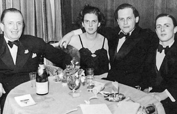 Heinrich Thyssen, su hija Margit, Ivan von Batthyany y Hans Thyssen-Bornemisza, en el hotel Palace de Davos, Suiza