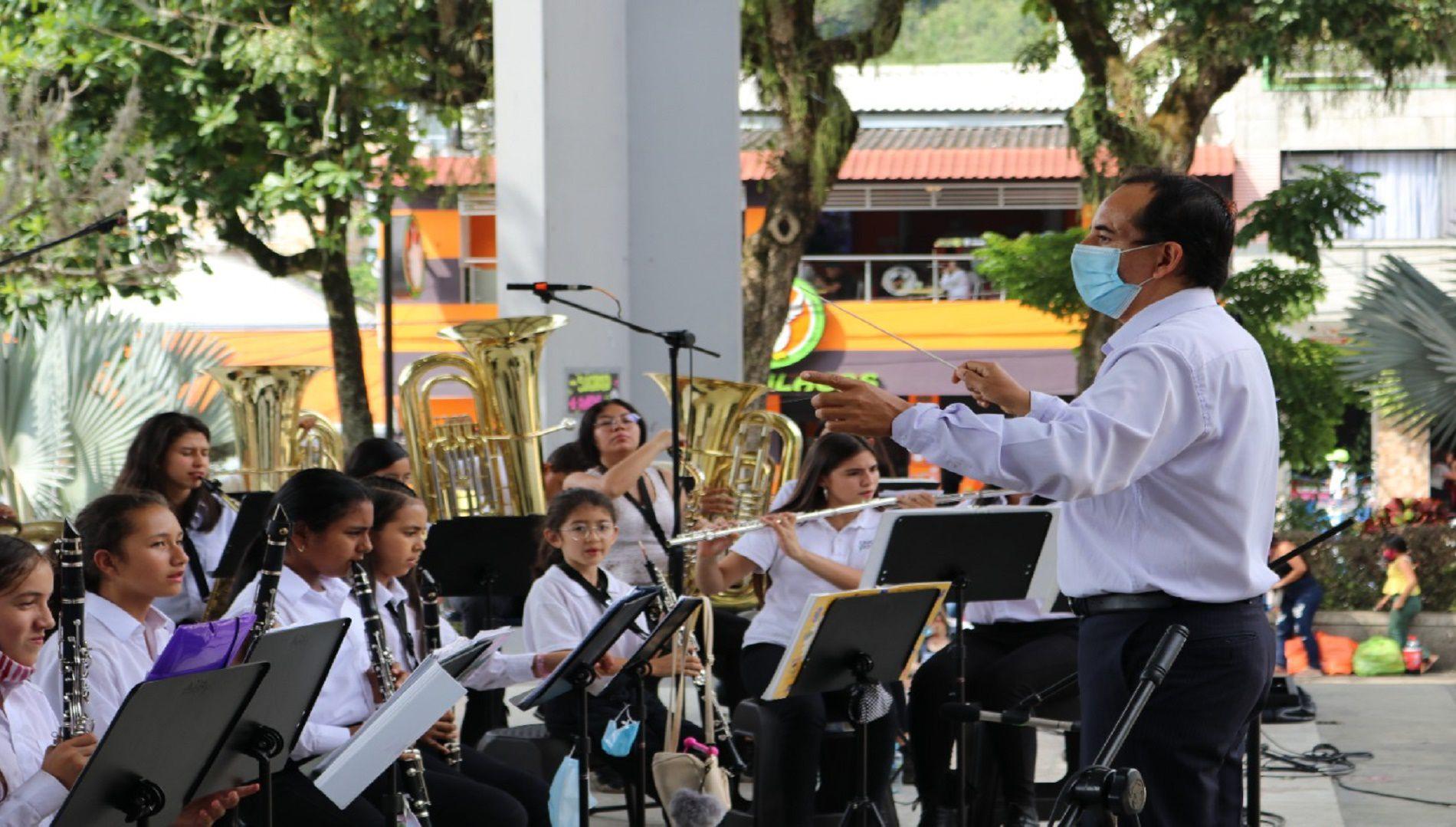 Concurso Nacional de Bandas engalana a La Vega con actividades culturales para los habitantes del municipio