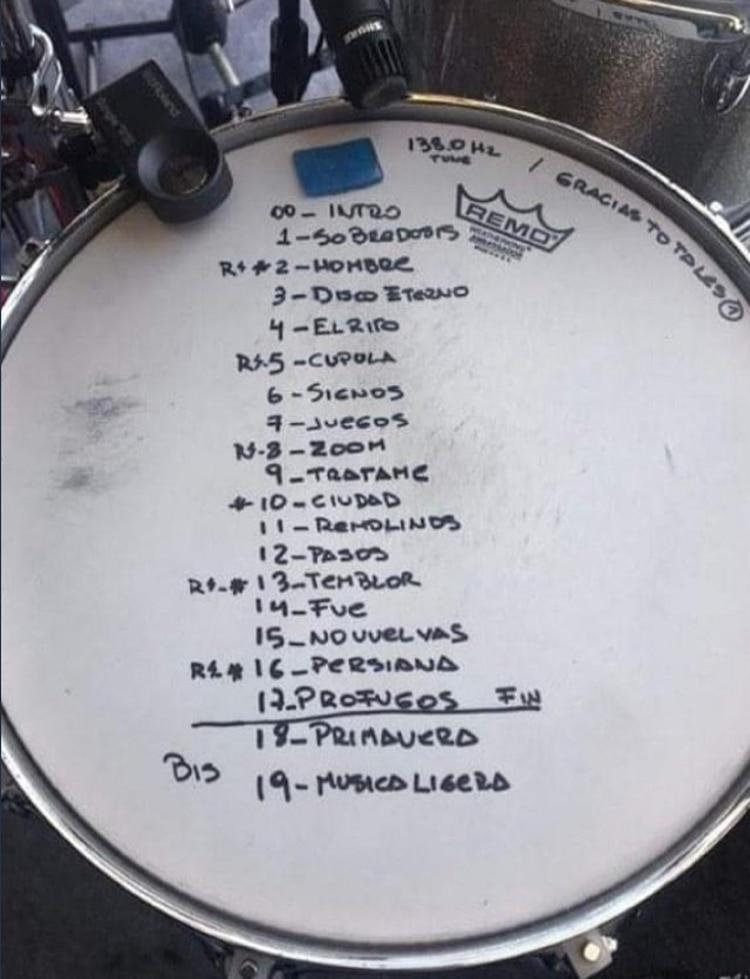 El repertorio de canciones que tocaron en el primer show de Gracias Totales