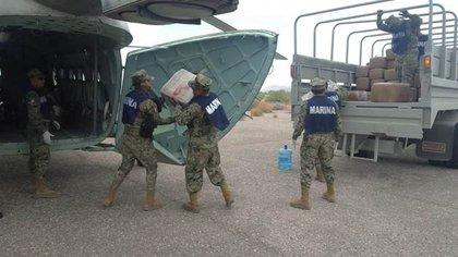 Elementos de la Marina decomisaron casi 2 toneladas de droga en una embarcación abandonada en Sonora