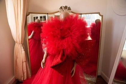 Volumenes y tul rojo, para representar la Navidad a la perfección y la tendencia de este 2019