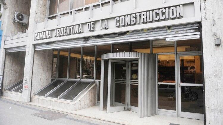 Las autoridades de la Cámara de la Construcción llevaron su propuesta de reactivación al Presidente