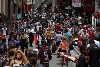 En Brasil hubo un fuerte rebrote de casos de coronavirus (REUTERS)