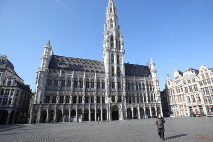 Grand Place de Bruselas vacía. Bélgica 24 de marzo de 2021. REUTERS / Yves Herman