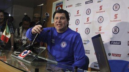 """En los Bravos de Juárez, Fabián se encontró al técnico que lo dirigió en Cruz Azul: Luis Fernando """"Flaco"""" Tena (Foto: Cuartoscuro)"""