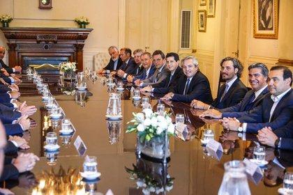 En diciembre, el Presidente recibió a todos los gobernadores en Casa Rosada para firmar una adenda al Pacto Fiscal
