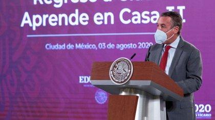 Emilio Azcárraga Jean, presidente ejecutivo del Consejo de Administración de Grupo Televisa indicó que es acuerdo histórico entre el gobierno y el sector privado (Foto: Presidencia)