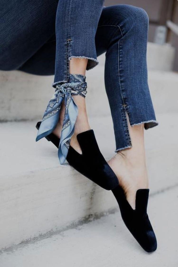 Anudado en el tobillo, una tendencia trendy para lucir en el verano