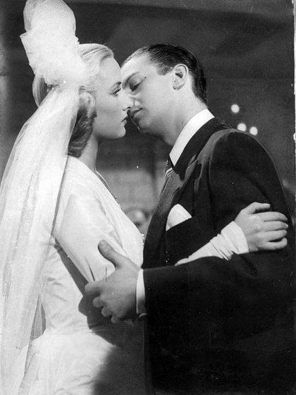 """Una foto de """"La Doctora no quiere tangos"""" (1949), con Mariano Mores"""
