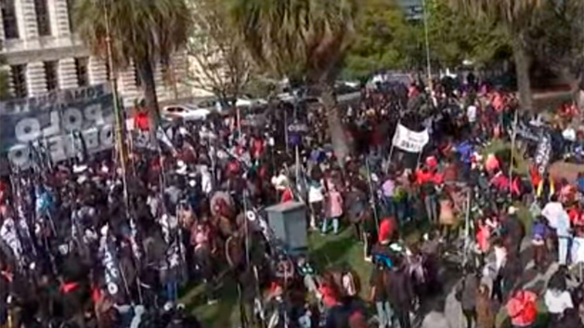 Manifestación Polo Obrero Ministerio de Educación