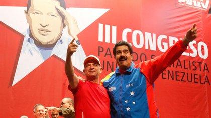 Hugo Carvajal con Nicolas Maduro, cuando aún eran aliados.