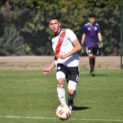 Tomás Lecanda es marcador central y tuvo un paso por las juveniles de Argentina (tomaslecanda25)