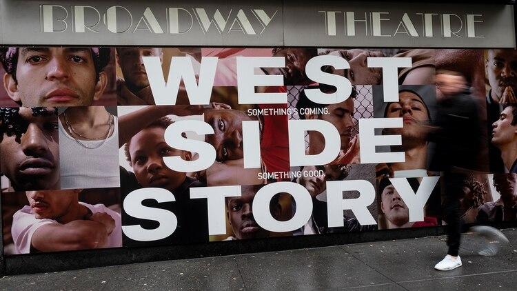 Para los eventos de menos de 500 personas, Nueva York limitará el público a la mitad de la capacidad total de cada teatro (AFP)
