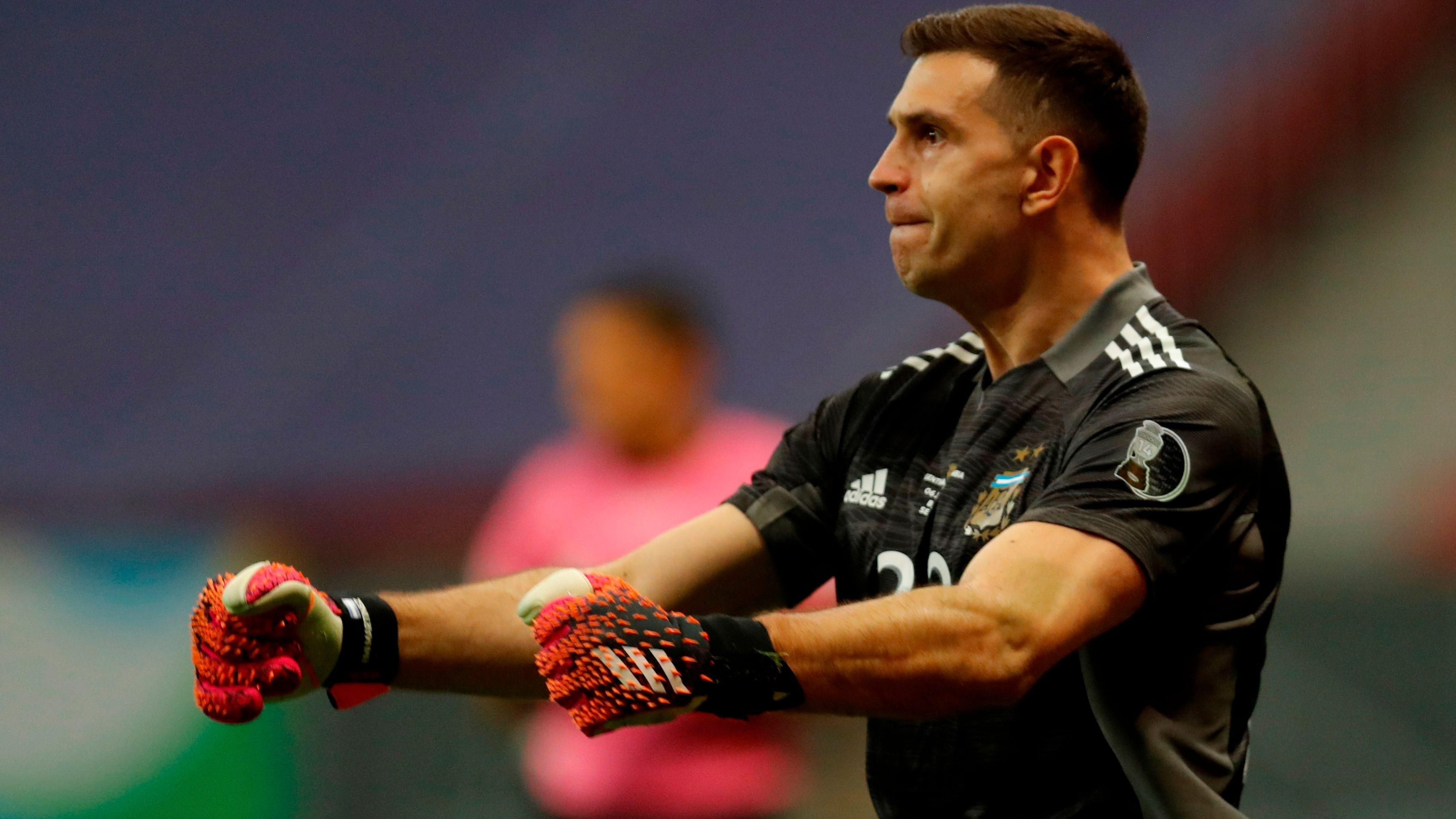Emiliano Martínez, considerado uno de los mejores arqueros del mundo (EFE/Fernando Bizerra)