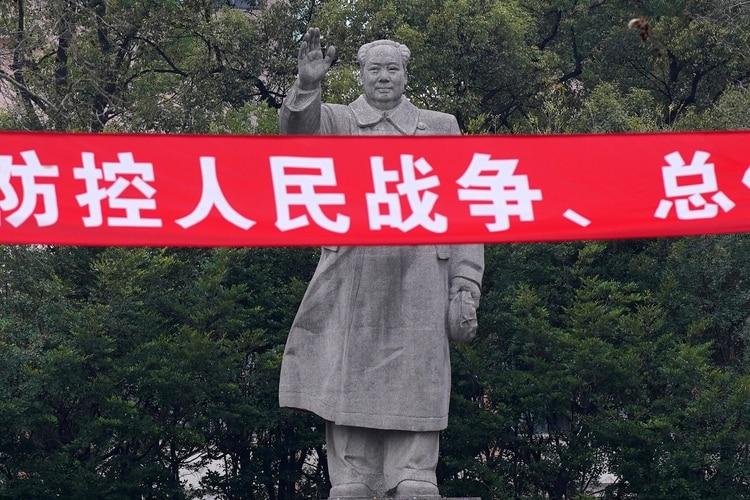 Una estatua de Mao Zedong en la Universidad Tongji University en Shanghai, China (REUTERS/Aly Song)