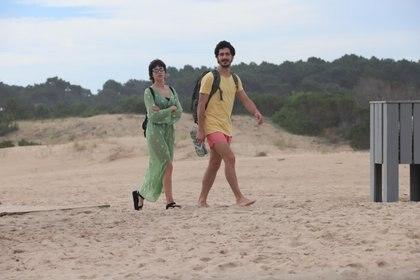 El Chino Darin disfruta de la playa de José Ignacio con su novia Úrsula Corberó (Fotos: GM Press)