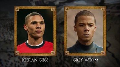 Kieran Gibbs (futbolista inglés del West Bromwich) con Grey Worm