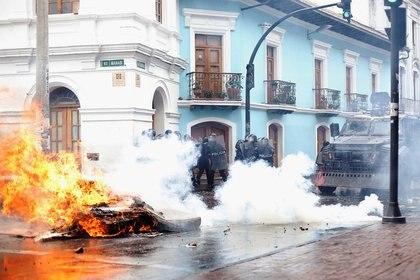Los manifestantes desafían el estado de sitio