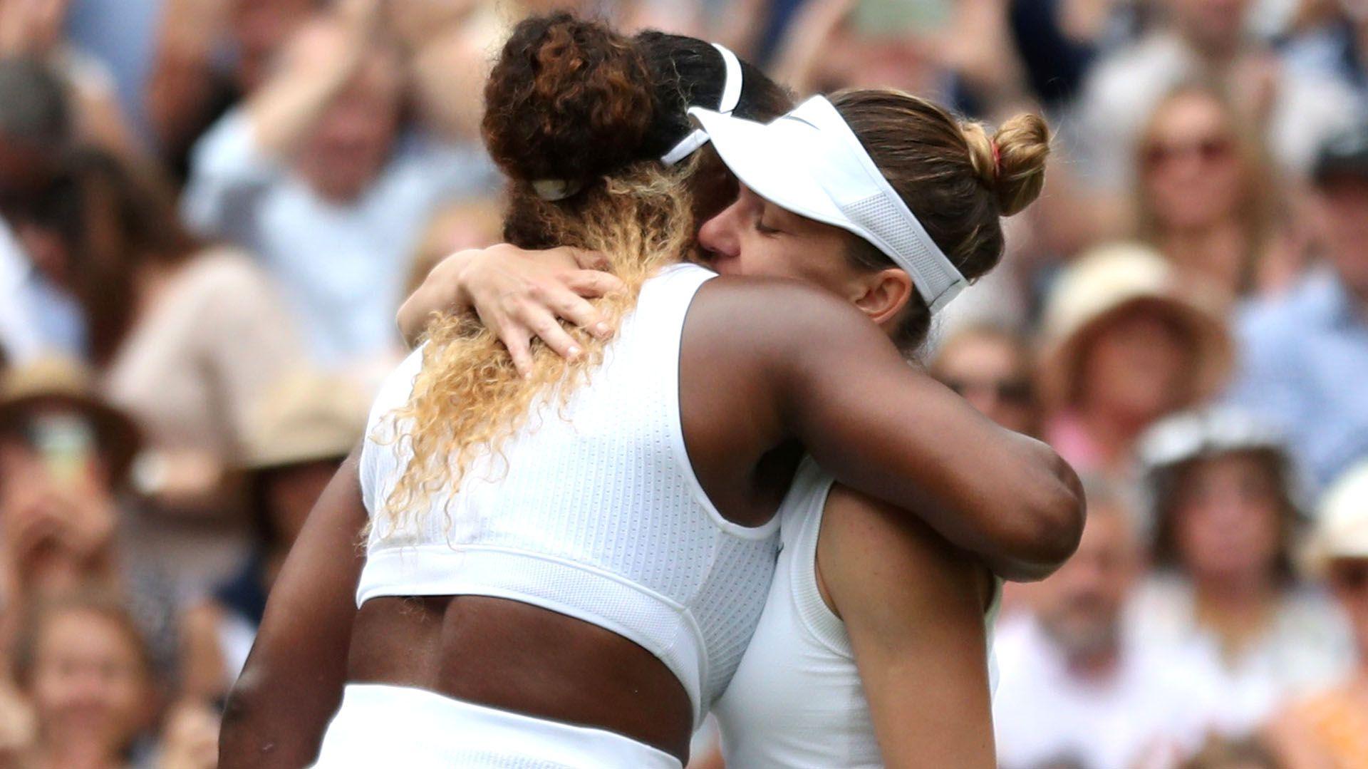 Simona Halep derrotó con contundencia a Serena Williamsen lafinal de Wimbledon (REUTERS)