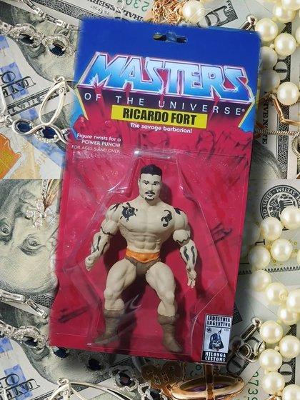 El muñeco de Ricardo Fort