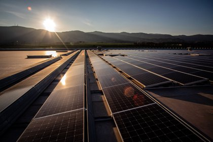A solar panel farm. Photographer: Angel Garcia/Bloomberg